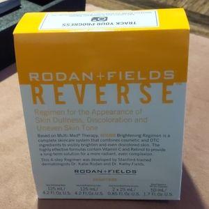 Reverse Brightening Skincare Set